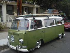 Risultati immagini per volkswagen slammed Volkswagen Transporter, Volkswagen Bus, Volkswagen Beetles, Bus Camper, Vespa, Carros Vw, Van Vw, Vw Camping, Bugatti