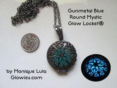 Gunmetal Blue Round Mystic Glow Locket®
