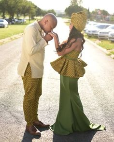 Latest and most beautiful weekend shweshwe styles - Reny styles African Inspired Fashion, African Print Fashion, African Fashion Dresses, African Dress, Couples African Outfits, Shweshwe Dresses, African Traditional Dresses, Fashion Couple, Happy Wife