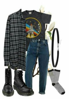 Grunge style winter, grunge winter outfits, casual grunge outfits, grunge f Vintage Outfits, Retro Outfits, Outfits For Teens, Casual Outfits, Summer Outfits, Simple Edgy Outfits, 90s Style Outfits, Flannel Outfits, Black Outfits