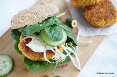 Wortel kikkererwtenburgers met citroen mayonaise - Mind Your Feed