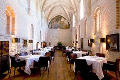 Refectorio restaurant  via @harpertravel