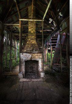 Abandoned house MG_2421