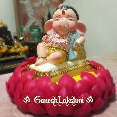 Ganesh Lakshmi So Cute! Jai Ganesh, Ganesh Idol, Shree Ganesh, Lord Ganesha, Lord Shiva, Baby Ganesha, Baby Krishna, Eco Friendly Ganesha, Ganapati Decoration