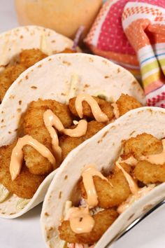 Shrimp Tacos recipe creates a flavor explosion for your taste buds! It has that perfect mixture of salty, sweet, spicy, crunchy amazingness that is so satisfying. And, the Boom Boom sauce. Shrimp Taco Recipes, Shrimp Tacos, Fish Recipes, Mexican Food Recipes, Gourmet Recipes, Cooking Recipes, Fish Tacos, Cheap Clean Eating, Clean Eating Snacks