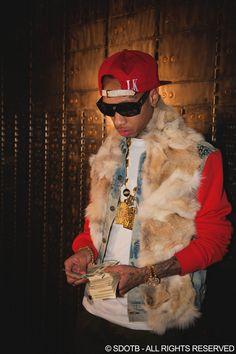 Tyga **** in a pea coat. Hip Hop Fashion, Urban Fashion, Chris Brown Kids, Compton Rappers, Kid Ink, Best Rapper, Tyga, Hip Hop Rap, Men Street