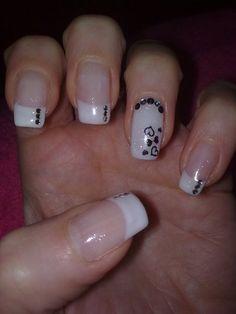 White and black nail art. Fabulous Nails, Gorgeous Nails, Pretty Nails, Fancy Nails, Love Nails, Diy Nails, Pretty Nail Designs, Nail Art Designs, Nails Design