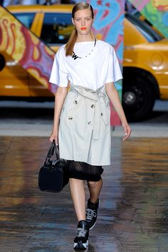 1d6e93ce DKNY - Pasarela Dope Fashion, Runway Fashion, Fashion Show, Spring Fashion,  Autumn