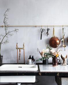 """8,431 """"Μου αρέσει!"""", 110 σχόλια - Signe Bay (@signebay) στο Instagram: """"A pic from my workspace, my studio that I'm so in love with and that I've had for a little more…"""""""