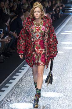 Dolce & Gabbana  #VogueRussia #readytowear #rtw #fallwinter2017 #DolceGabbana #VogueCollections
