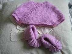 Tricot facile - Cache cœur et chaussons roses