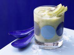 Apfel-Avocado-Smoothie - mit Kiwi - smarter - Kalorien: 214 Kcal - Zeit: 5 Min. | eatsmarter.de
