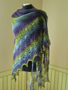 KnitANDlace Artistic yarn- knitted wooly lace shawl