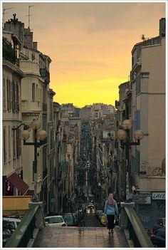 Atardecer lluvioso en Marsella by Libertinus, via Flickr