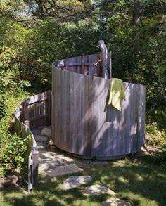 Outdoor Bathrooms 285486063858510094 - Outdoor shower with spiral fence Outdoor Baths, Outdoor Bathrooms, Outside Showers, Outdoor Showers, Outdoor Shower Enclosure, Outdoor Spaces, Outdoor Living, Garden Shower, Garden Pool