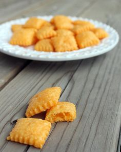 Homemade Cheez-Its (Cheddar Cheese Crackers) - Rachel Cooks Yummy Snacks, Snack Recipes, Cooking Recipes, Yummy Food, Homemade Cheez Its, Homemade Cheese, Homemade Recipe, Antipasto, Tapas