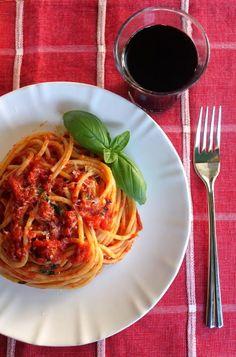 #Spaghetti al pomodoro, cosa volere di più?