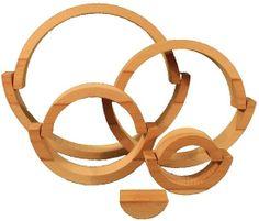 Hêtre. Le jeu est composé de 9 arceaux en bois de hêtre issu de la scierie local de Belfort sur Rebenty à 33 km de l'atelier. L'arceau le plus long fait 30 cm de long et 15 de large avec une épaisseur de 3,5 cm minimum. Aucun produit chimique n'est utilisé dans l'atelier et sur le bois; il est donc sans aucun danger pour les enfants et la terre.