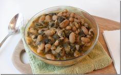 Spinach and artichoke white bean chili