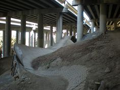 Urban bike trails - Colonnade Mountain Bike Park http://www.fastbikeparts.ch/