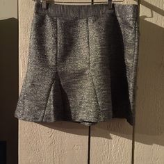 Price drop $5 Beautiful sparkly skirt with pleats at the bottom Banana Republic Skirts