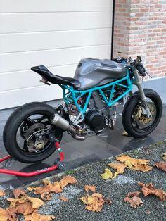 altered back frame.bp on IG. Moto Ducati, Ducati Cafe Racer, Cafe Bike, Custom Cafe Racer, Cafe Racer Build, Ducati 750ss, Motorcycle Dirt Bike, Ducati Monster, Cool Motorcycles