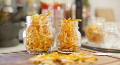 Mason jars filled with orange peels Orange Confit, Limoncello, Good Housekeeping, Orange Peel, Is 11, Kitchen Hacks, Diy Food, Organic Recipes, Farmers Market