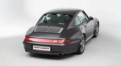 """Deze Porsche, ook wel bekend onder de interne benaming 993, wordt door de puristen als de laatste """"echte"""" Porsche 911 gezien omdat het de laatste generatie"""