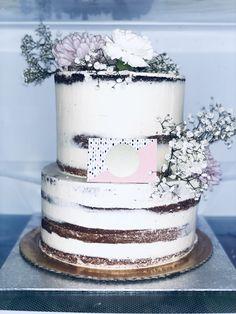 Vanilla Cake, Wedding Cakes, Birthday Cake, Desserts, Food, Vanilla Sponge Cake, Wedding Gown Cakes, Birthday Cakes, Meal