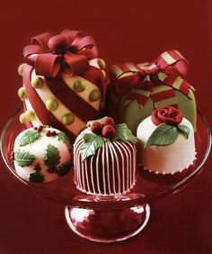 could mix some like this in with the boxes/gifts styled cake