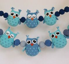 A free crochet pattern of Owls.Do you also want to crochet these owls? Read more about the pattern Crochet Pattern Owls and balls for Baby Carriage Crochet Baby Mobiles, Crochet Mobile, Crochet Baby Toys, Crochet For Kids, Baby Knitting, Free Crochet, Owl Crochet Patterns, Owl Patterns, Amigurumi Patterns