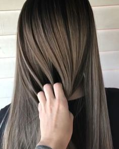 Are you going to balayage hair for the first time and know nothing about this technique? We've gathered everything you need to know about balayage, check! Blond Beige, Beige Blonde Balayage, Brown Blonde Hair, Ash Brown Bayalage, Balayage Asian Hair, Blonde Asian, Hair Color Balayage, Ombre Hair Long Bob, Hair Colorist