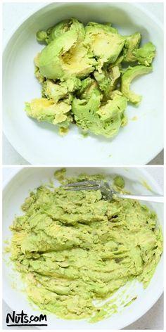 avocado-steps-chlorella-guacamole-recipe