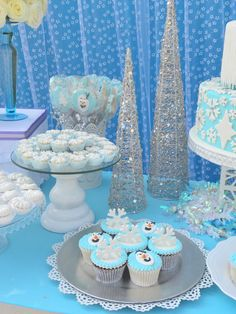 Frozen Birthday Party via Kara's Party Ideas KarasPartyIdeas.com Desserts, supplies, favors, stationery, tutorials, recipes, and more! #frozen #frozenparty (5)