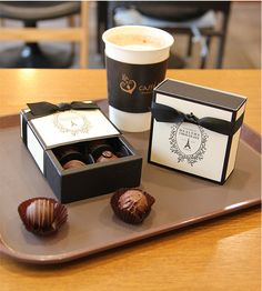 4 x chocolate boxes / Ivory classic chocolate box by Twomysterybox