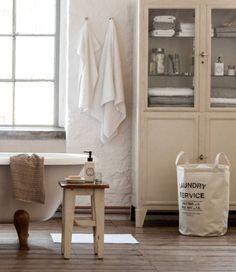 Vitriini kylppärissä. Yllättävät ideat kylpyhuoneeseen - olisitko keksinyt itse? | Kodin Kuvalehti