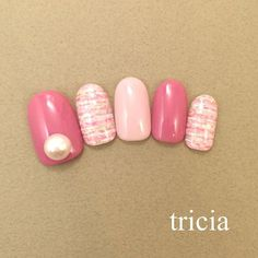 Border of tweed nail. Combined with smoky pink of a little darker, Big Pearl looks better. AndGIRL12_tsukigokeisainoneirudesu ♡ Ginza store ...