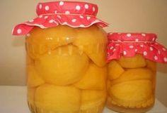 A családom szó szerint falta, hamar elfogyott az utolsó morzsáig! Chia Puding, Canning Pickles, Pickling Cucumbers, Hungarian Recipes, Vegetable Drinks, Ketchup, Diy Food, Cake Cookies, Food Storage