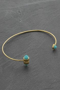 Treasure for peace, honestly & calmness, Blue Dream is an original, 16K gold plated bracelet with two different sides, freely inspired by hunting and arrows. We love this beautiful colour combination and the fact that it is handmade. This golden eyecather will rock your collection! Compleet the collection by wearing different treasures together.   Gold Plated Bracelet by Treasure Rookie. Accessories - Jewelry - Bracelets Netherlands