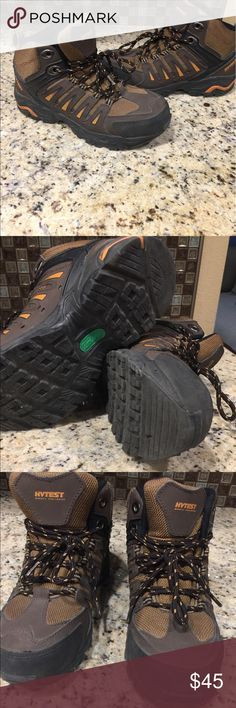 Steel toe boots Hytest steel boots in great condition only worn about 3-5 times. Hytest safety shoes and slip resistant. This are size 6 1/2 in woman's and 5 men's. I paid $75 but I'm asking $45 Shoes