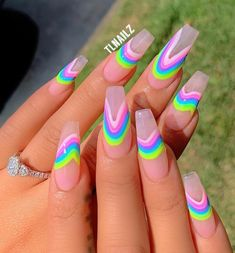 In look for some nail designs and some ideas for your nails? Here's our set of must-try coffin acrylic nails for cool women. Classy Nails, Stylish Nails, Perfect Nails, Gorgeous Nails, Pretty Nails, Neon Nails, My Nails, Fire Nails, Coffin Nails Long