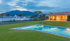 Jeu de lumière à #Cadaques #espagne #piscine #vacances
