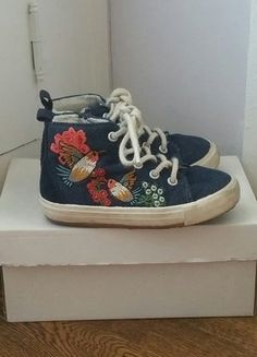 a3fb3093a1b30 À vendre sur  vintedfrance ! http   www.vinted.fr mode-enfants sandales -and-nu-pieds 38094674-espadrilles-enfant-neuves-blanc-et-rouge