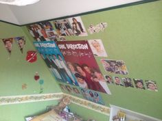 So this is my 1D bedroom♥♥