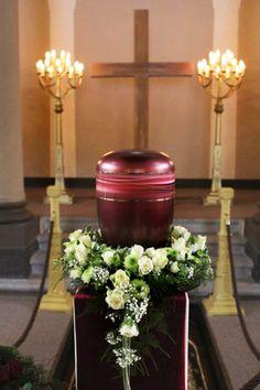 Blumenkranz Urnenbeisetzung