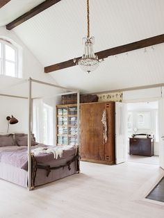 Duvet day in this dreamy master bedroom?