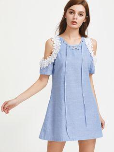Negozio Contrasto Crochet spalla aperta Lace Up Vestito a righe on-line. SheIn offre Contrasto Crochet spalla aperta Lace Up Vestito a righe & di più per soddisfare le vostre esigenze di moda.
