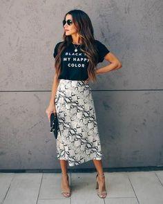 Vici Dolls Collection Azalea Snake Print Midi Skirt White Python Satin Look sz L Fashion Mode, Modest Fashion, Fashion Outfits, Skirt Fashion, Hijab Fashion, Boho Fashion, Mens Fashion, Fashion Tips, Summer Work Outfits