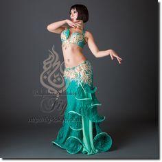 Design by Yasser / Model: TIDA / Fig Belly Dance #figbellydance #bellydancecostume #worldwideshipping