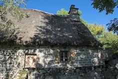 France : Cantal - Niervèze Cottage, Four, Pain, Culture, House Styles, Building, Travel, Image, History